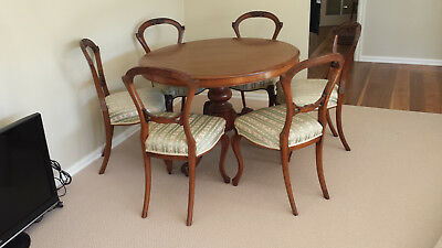Antique Tilt Dining Table with 6 Chairs