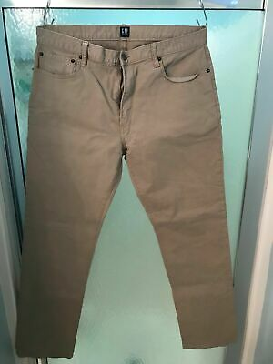 Men's Gap Khaki Color Jeans in Straight Fit with GapFlex 33 x 32 Great Condition