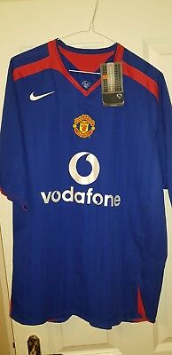 Manchester United nike 2005-2006 third shirt.