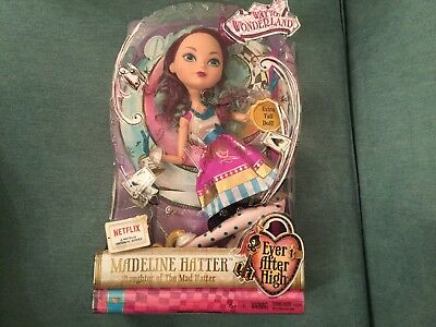 Quality In Way To Wonderland Playset Discontinued Rare Collectable Excellent Hearty Ever After High