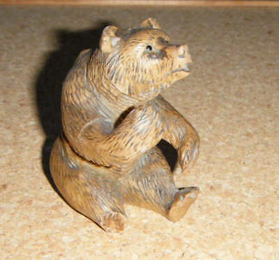 small vintage black forest carved wood Bear 8 cm high,glass eyes, needs repair