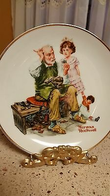 "Norman Rockwell China Collector Plate ""The Cobbler"" With Stand Vintage"