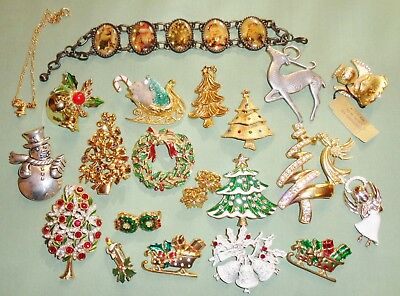 Vintage Christmas Holiday pins brooch lot 20 tree sled wreath candle bell