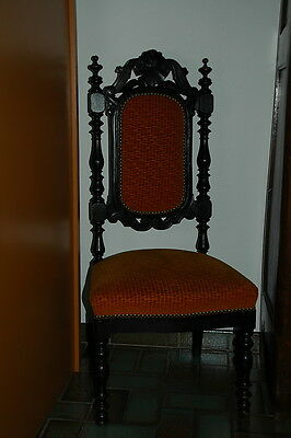 Chaise basse ancienne