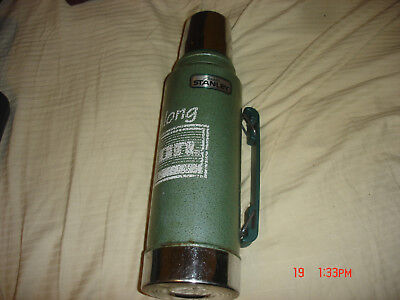 Vintage Aladdin Stanley 1 Quart Green Steel Thermos A-944 DH Made in USA handle