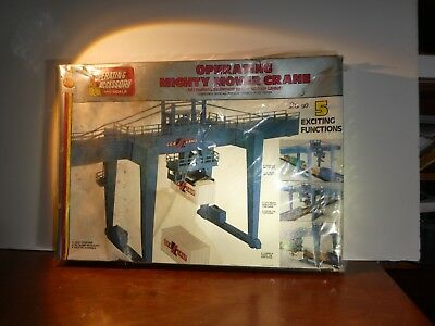 Ho Scale A.h.m. Mighty Mover Crane   11013