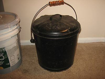 Vintage Metal Bucket Pail > Antique Old Garden Shabby coal or trash