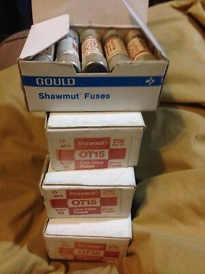 Gould Shawmut Ot15 15 Amps 250 Volts One Time Fuse Silver Plated Lot Of 40 1978