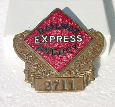 1929 REA RAILWAY EXPRESS  1st ISSUE EMPLOYEE CAP BADGE VERY LOW NUMBER