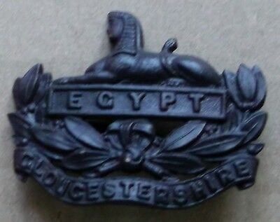 Officers Cap Badge In Bronze With Blades Gloucestershire Regiment