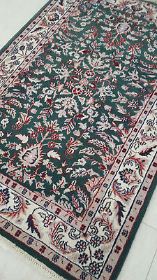 Sarouk Design Hand-knotted Persian wool rug