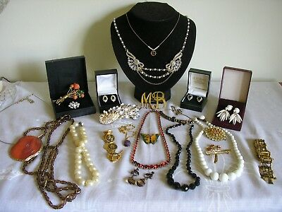 Mixed job lot of vintage / modern jewellery inc JKa faux pearl necklace 925