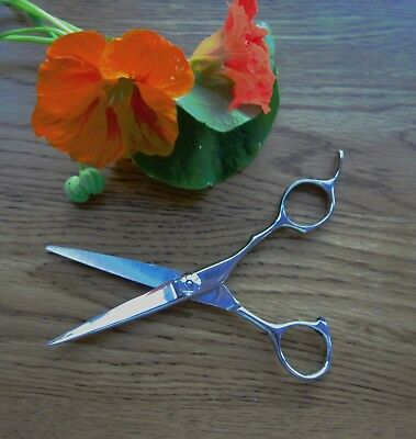 Superb OSAKA 5.5 ULTRA SHARP QUALITY  HAIRDRESSING SCISSORS