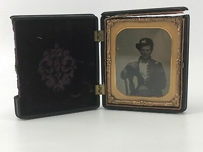 Antique 1860s 6th PLATE AMBROTYPE CIVIL WAR SOLDIER Officer In Frame, Case