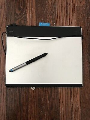 Wacom Intuos Pen and Touch Medium Tablet (CTH680) USB, Mac or PC