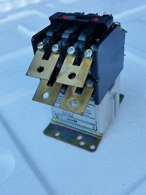 Contactor / relay heavy duty 440 volt 3 phase 20 amp 8 pole heating / high load