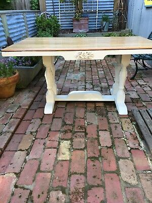 Shabby Chic Country Kitchen Table