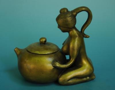 China old pure copper hand-carved woman statue teapot /qianlong mark e01