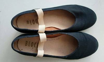 Ballet character shoes