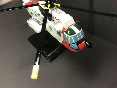 US COAST GUARD SIKORSKY HH-3F Pelican Helicopter Desk Top Display 1/48 MODEL