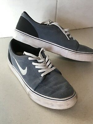 huge selection of 770e2 516fb Nike Air SB grey Suede Older Boys Trainers Uk Size 5