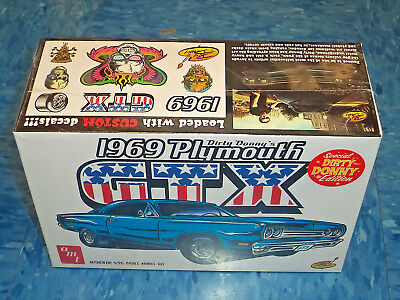 AMT 1/25 Dirty Donny 1969 Plymouth GTX AMT1065 Car Model Kit New!