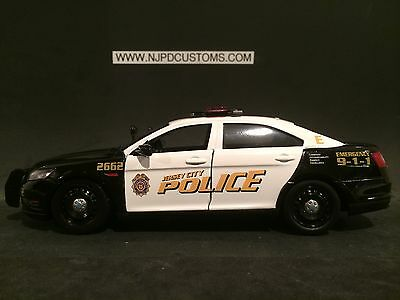 CAMDEN COUNTY POLICE NJ 1:24 Scale Ford Taurus Police