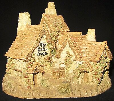 Collectable David Winter In The Centre Series Green Dragon Pub Cottage 1983-1996