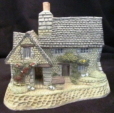 Collectable David Winter Scottish Collection The Gillie's Cottage 1989-1996