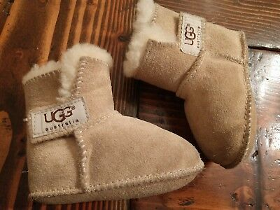 9befa6542b7 BABY UGGS SIZE Small 2/3 6-12 Months
