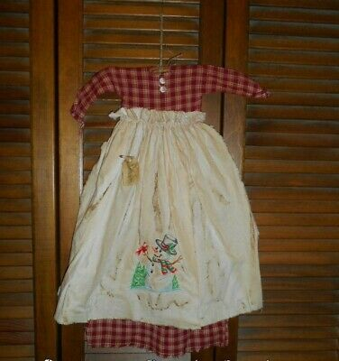 Primitive Wall Cupboard Decor Dress GREEN /& RED PLAID W// APRON Country Grungy