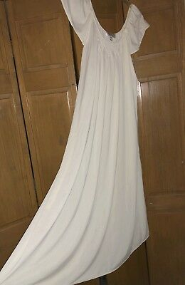 MISS ELAINE White Long Wide Sweep SILK ESSENCE Nylon Nightgown Sz M
