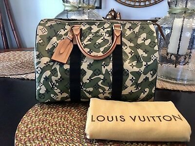 57dc448628 LOUIS VUITTON LIMITED Edition Monogramouflage Speedy 35 ...