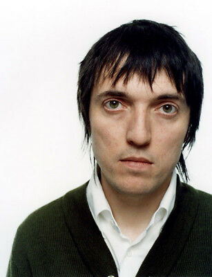 Colin Greenwood UNSIGNED photograph - M6838 - Radiohead - NEW IMAGE!!!