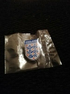 "Brand New ""Official England 3 Lions badge"" Football Pin Badge"