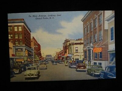 Grand Forks ND, De Mers Ave. Looking East Drug Store, Businesses Beautiful Linen