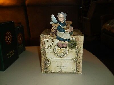Boyds,The Wee Folkstones Collection Grandma Fariehugs With Bears Figurine