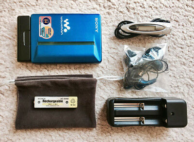Sony WM-EX910 Walkman Cassette Player, Nice Blue Color !!! Working Great !!!