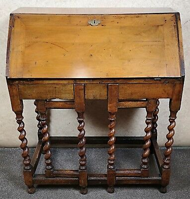 LATE 17th CENTURY WALNUT BUREAU