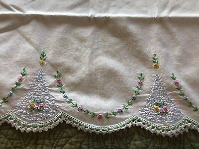 Vintage PILLOWCASE PAIR X-Stitch Embroidered Pink, Green, Blue Flowers