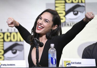 GLOSSY PHOTO PICTURE 8x10 Gal Gadot With Arms Stretched