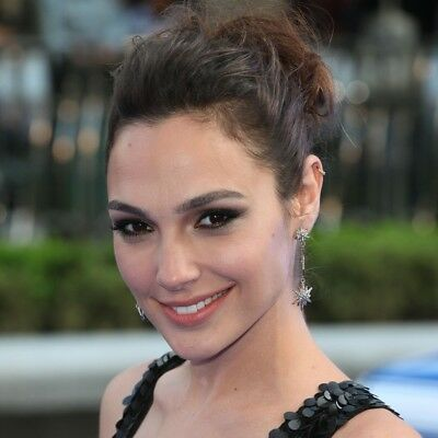 GLOSSY PHOTO PICTURE 8x10 Gal Gadot With The Hair Collected