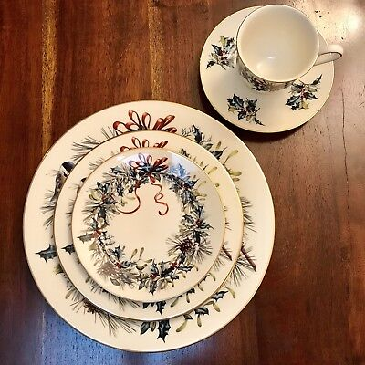 Lenox Winter Greetings 5 Piece Setting Holiday Christmas Plates Cups