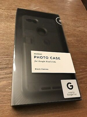 New Moment 18mm Wide Angle Lens V2 with Pixel 2 XL case