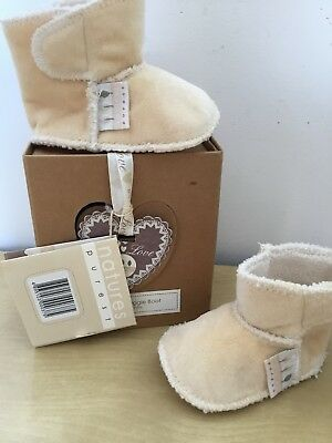 Babys Natures Purest Snuggle Boots 0-6 Months