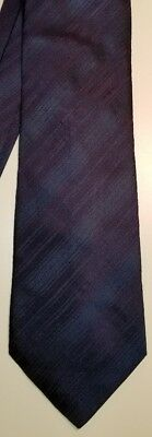 Hugo Boss Dark Blue Striped Silk Executive Necktie Tie Italy 58-1/2 x 3-7/8