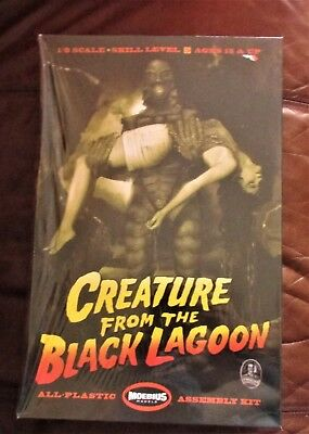 Moebius Creature From The Black Lagoon Deluxe with girl 1/8  new factory sealed