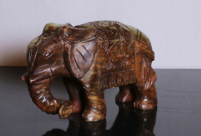 OLD Carved elephant jade Green-brown colour STATUE D'elephant IN jade #JD54