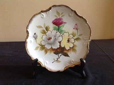 """Norcrest Scalloped Gold Edge Floral Pattern 7-3/4"""" Plate; P688; Japan"""
