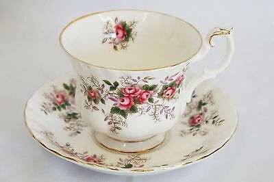 Royal Albert Fine Bone China England Teacup Saucer Lavender Rose